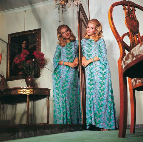 Teal, Aqua, Turquoise, Interior design, One-piece garment, Picture frame, Houseplant, Curtain, Tradition, Flower Arranging,