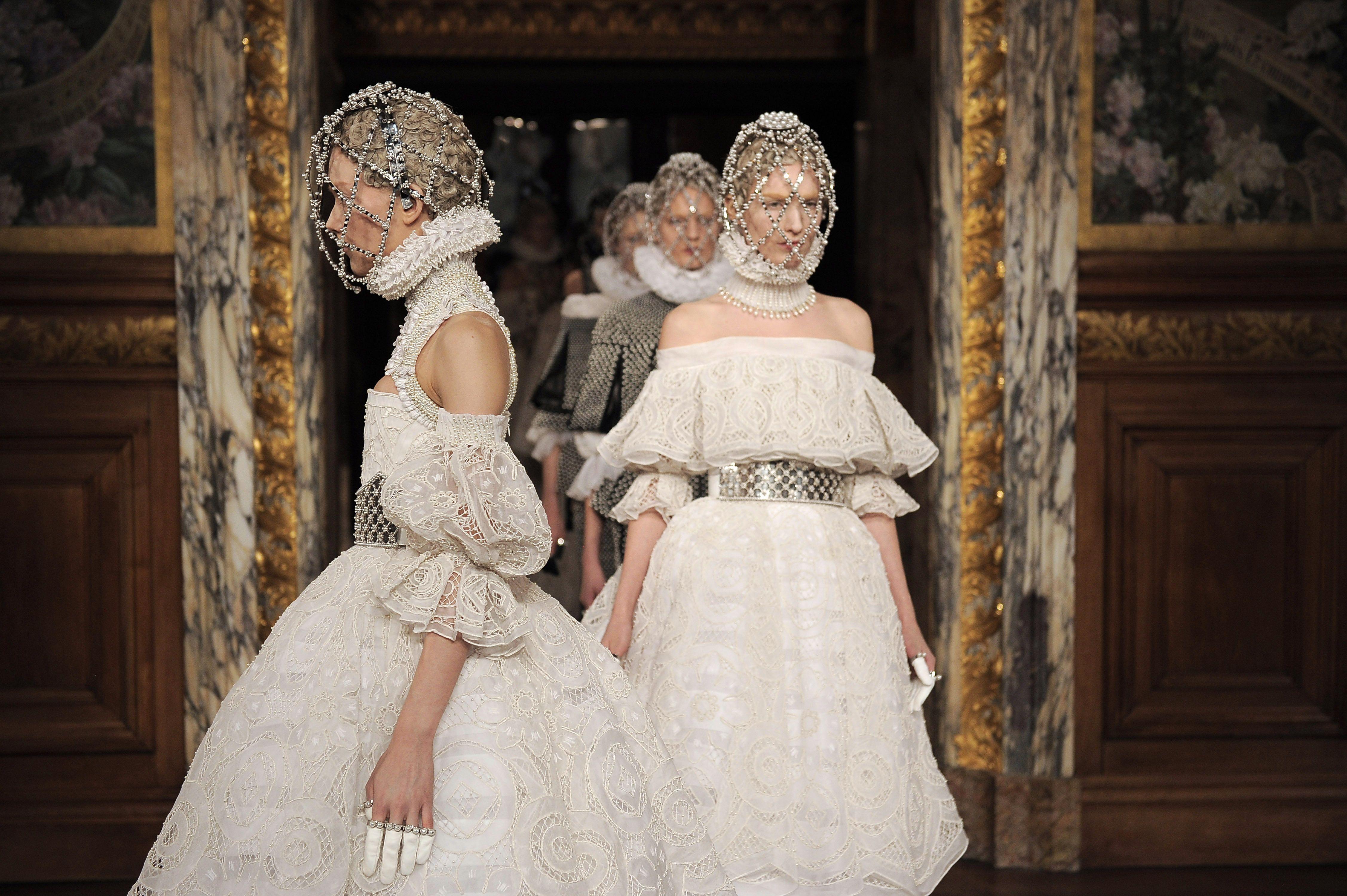 How The Elizabethan Era Has Inspired Fashion Queen Elizabeth I