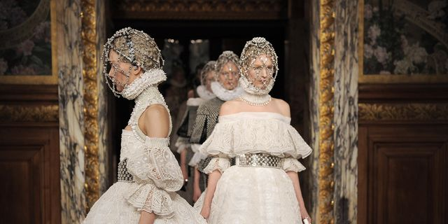 How The Elizabethan Era Has Inspired Fashion Queen Elizabeth I And Her Impact On Fashion