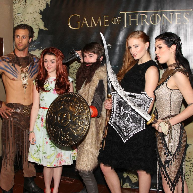March 18, 2013 And the friends are ALWAYS ready to goof around and have a good laugh, in this case at a GoT Los Angeles premiere. I think Maisie is supposed to be Sansa?