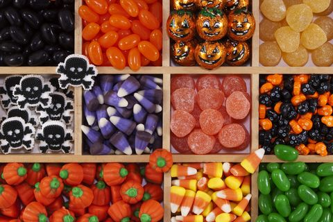 8 Healthy-ish Halloween Candy Options, According to Nutritionists