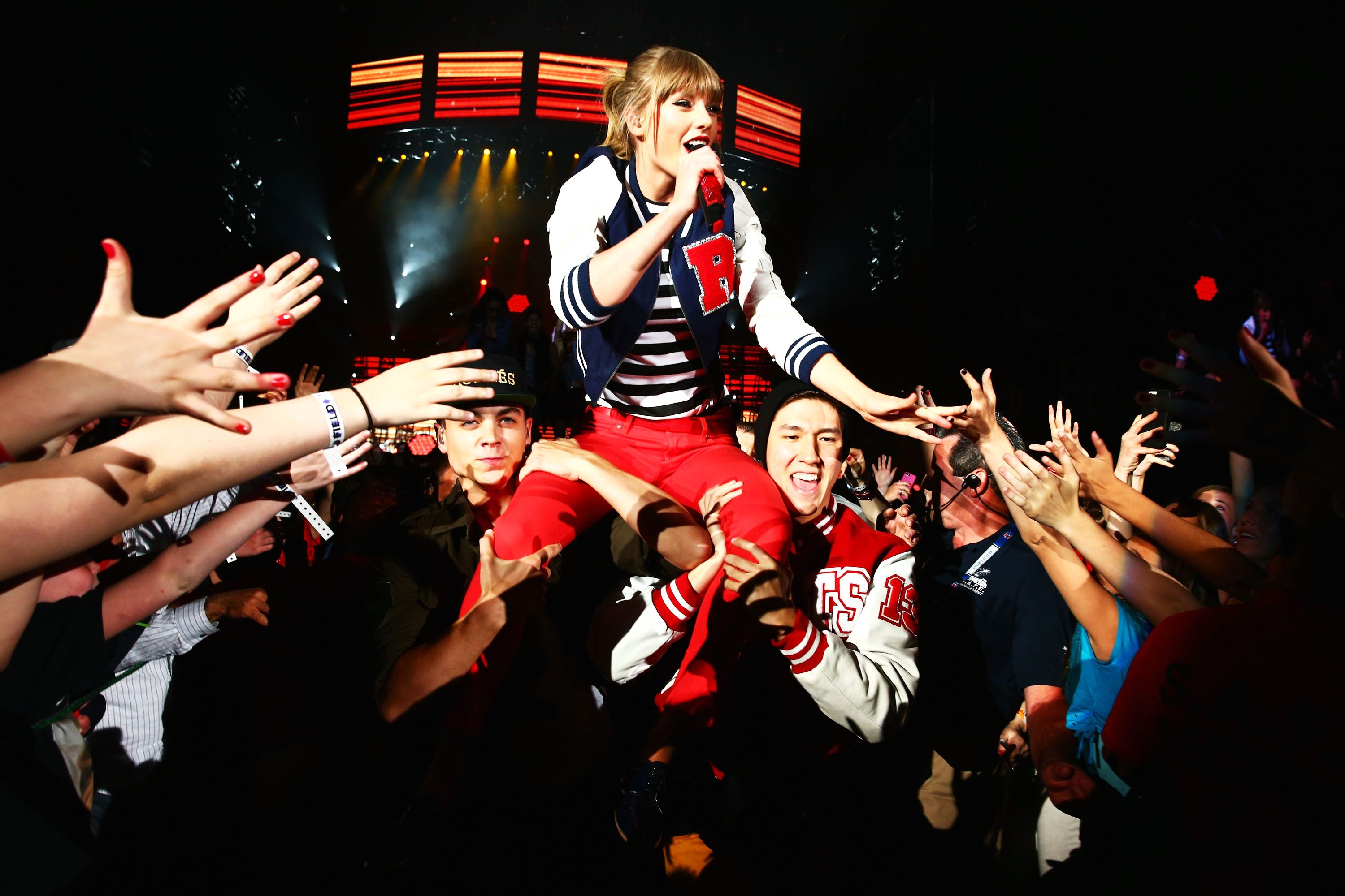 Why Taylor Swift Fans Want Her To Pay Off Their Student Loans