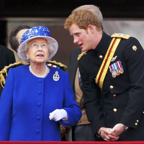 Uniform, Military rank, Event, Military officer, Gesture, Monarchy, Military uniform,