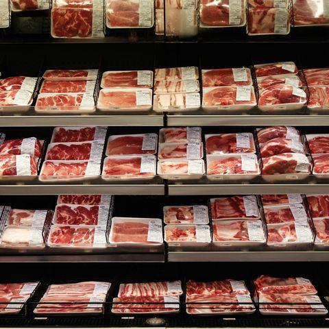 Red meat, Food, Convenience food, Beef, Kobe beef, Meat, Animal fat, Supermarket, Prepackaged meal, Grocery store,