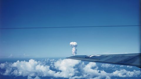 Sky, Cloud, Daytime, Atmosphere, Arctic, Cumulus, Technology, Snow, Ice, Aerospace engineering,