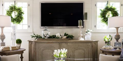 15 Stunning Christmas Living Rooms - Holiday Living Room Decor Ideas