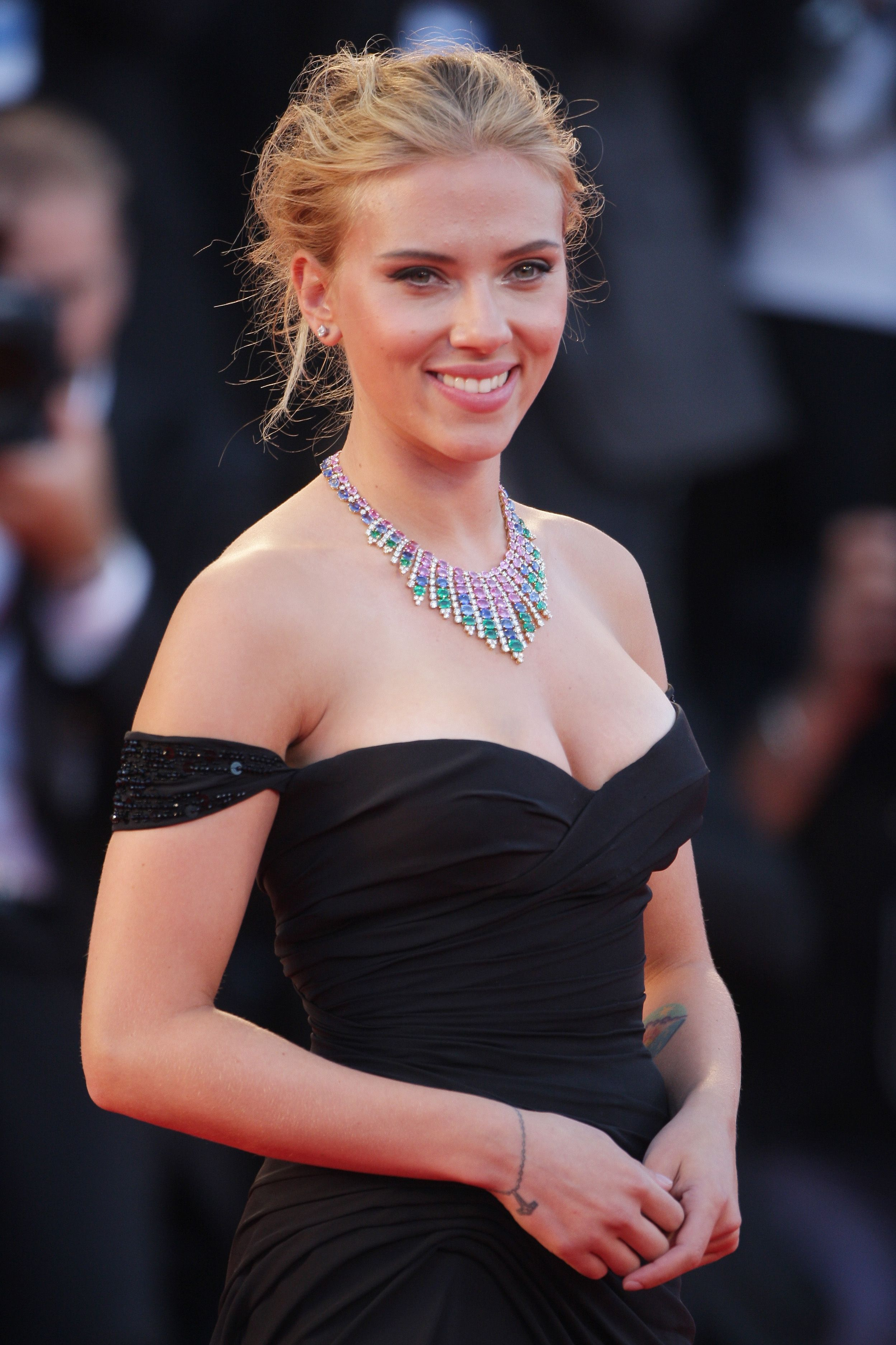 Scarlett Johansson Walks Back on Casting Controversy Interview After Twitter Drags Her