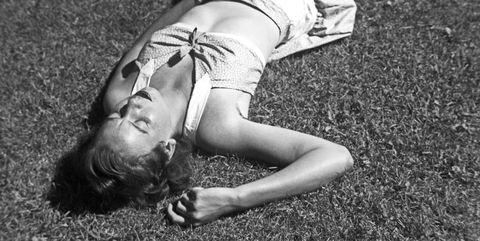 Photograph, White, Grass, Beauty, Black-and-white, Leg, Monochrome, Photography, Joint, Human body,