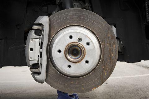 Auto part, Disc brake, Wheel, Vehicle brake, Tire, Automotive tire, Brake, Automotive wheel system, Rotor, Rim,