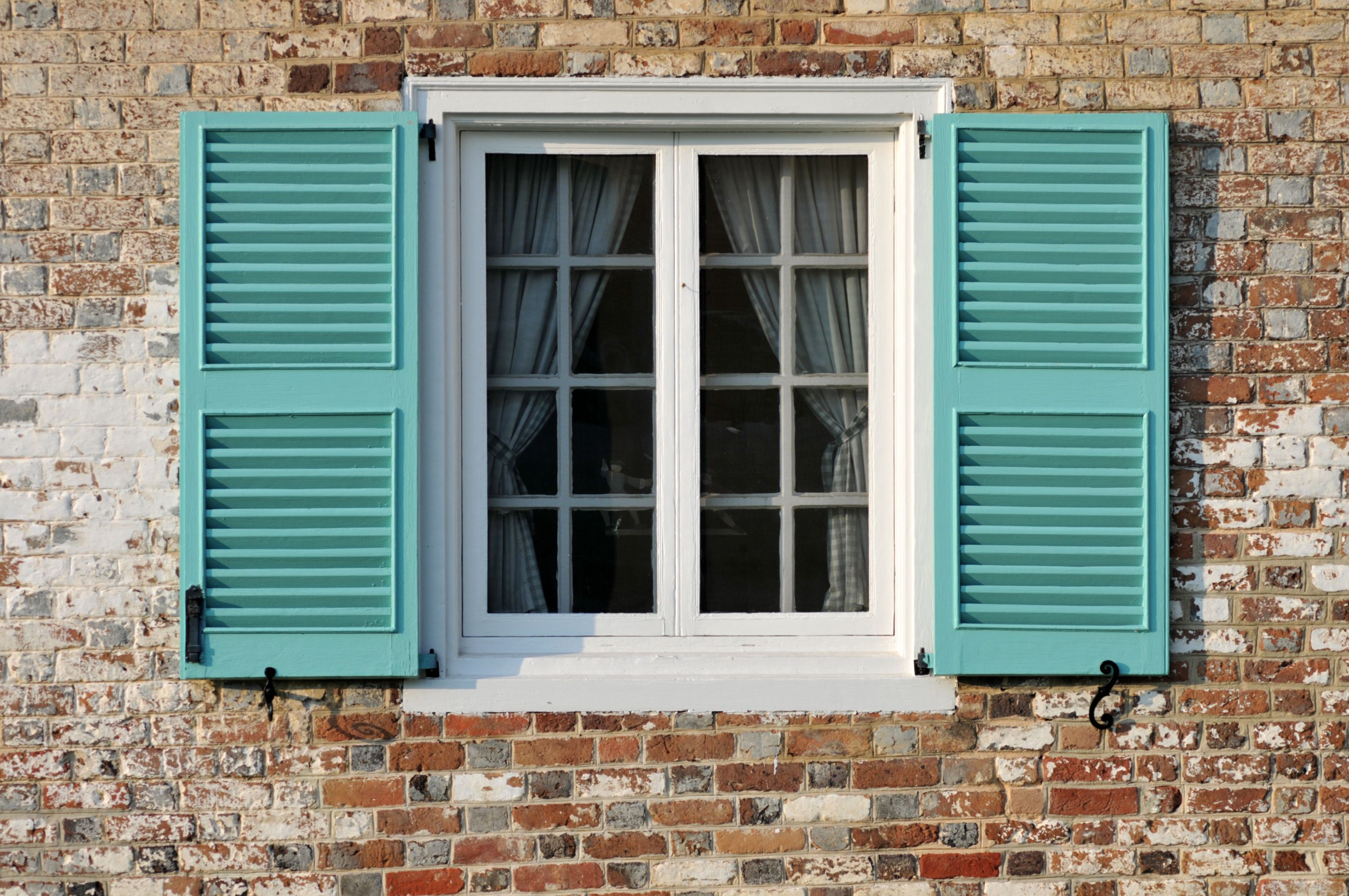 Best Hurricane Shutters 2019 How To Install Storm Shutters