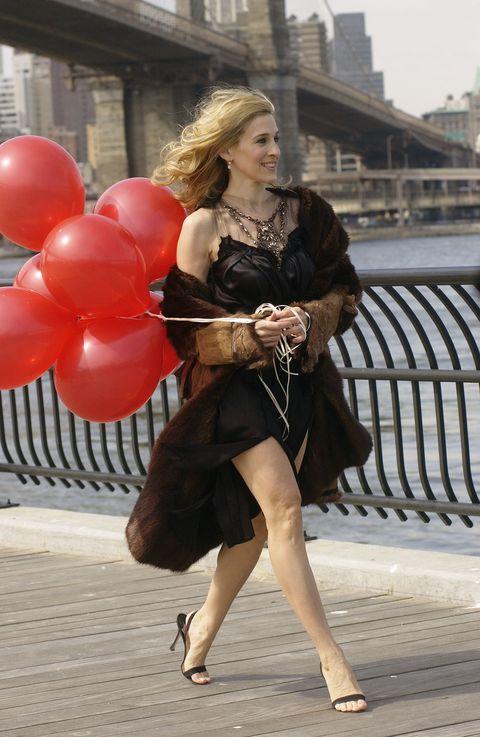 Clothing, Street fashion, Fashion, Leg, Snapshot, Human leg, Dress, High heels, Thigh, Footwear,