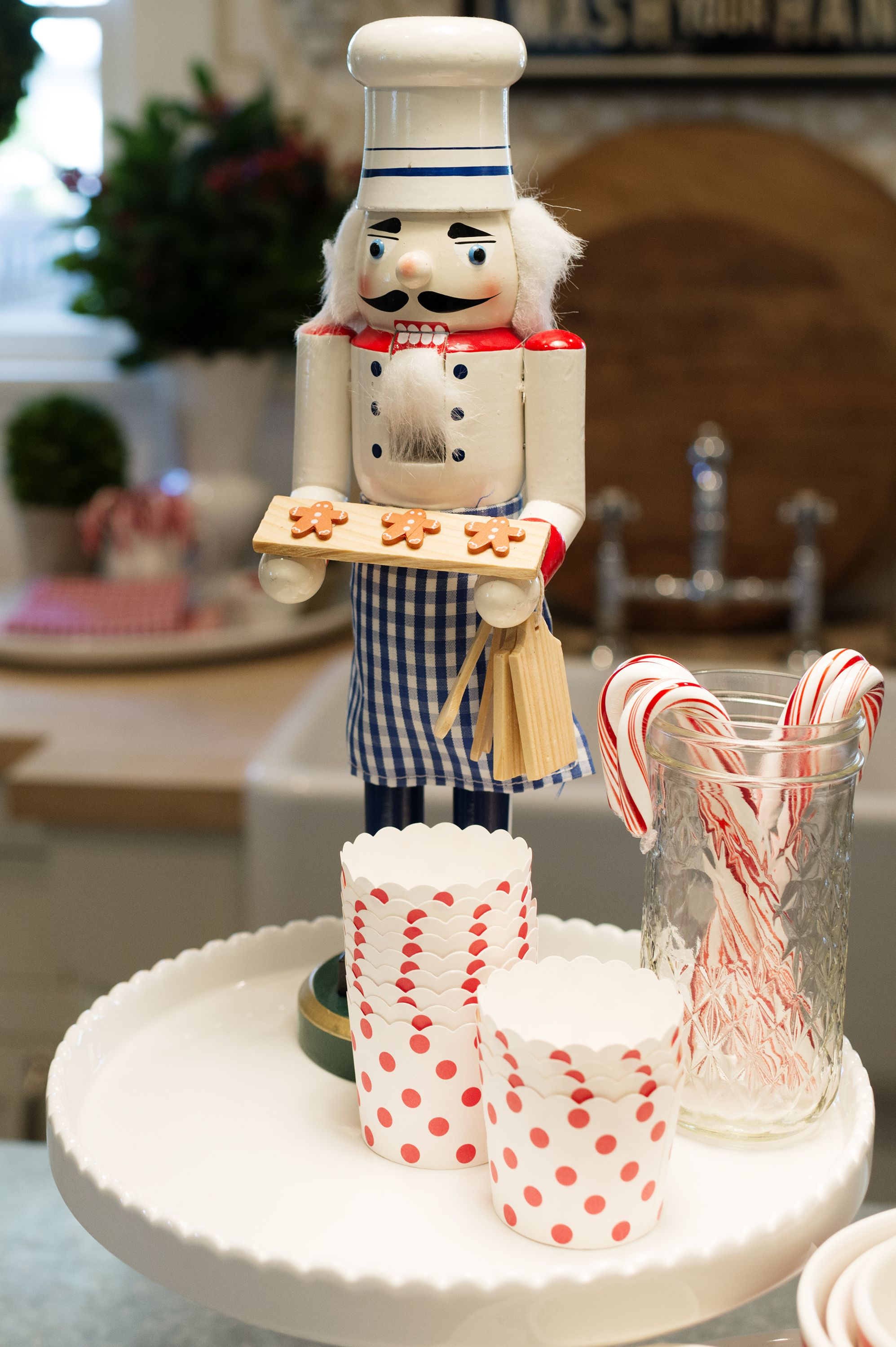 15 Christmas Kitchen Decor Ideas How To Decorate Your Kitchen For