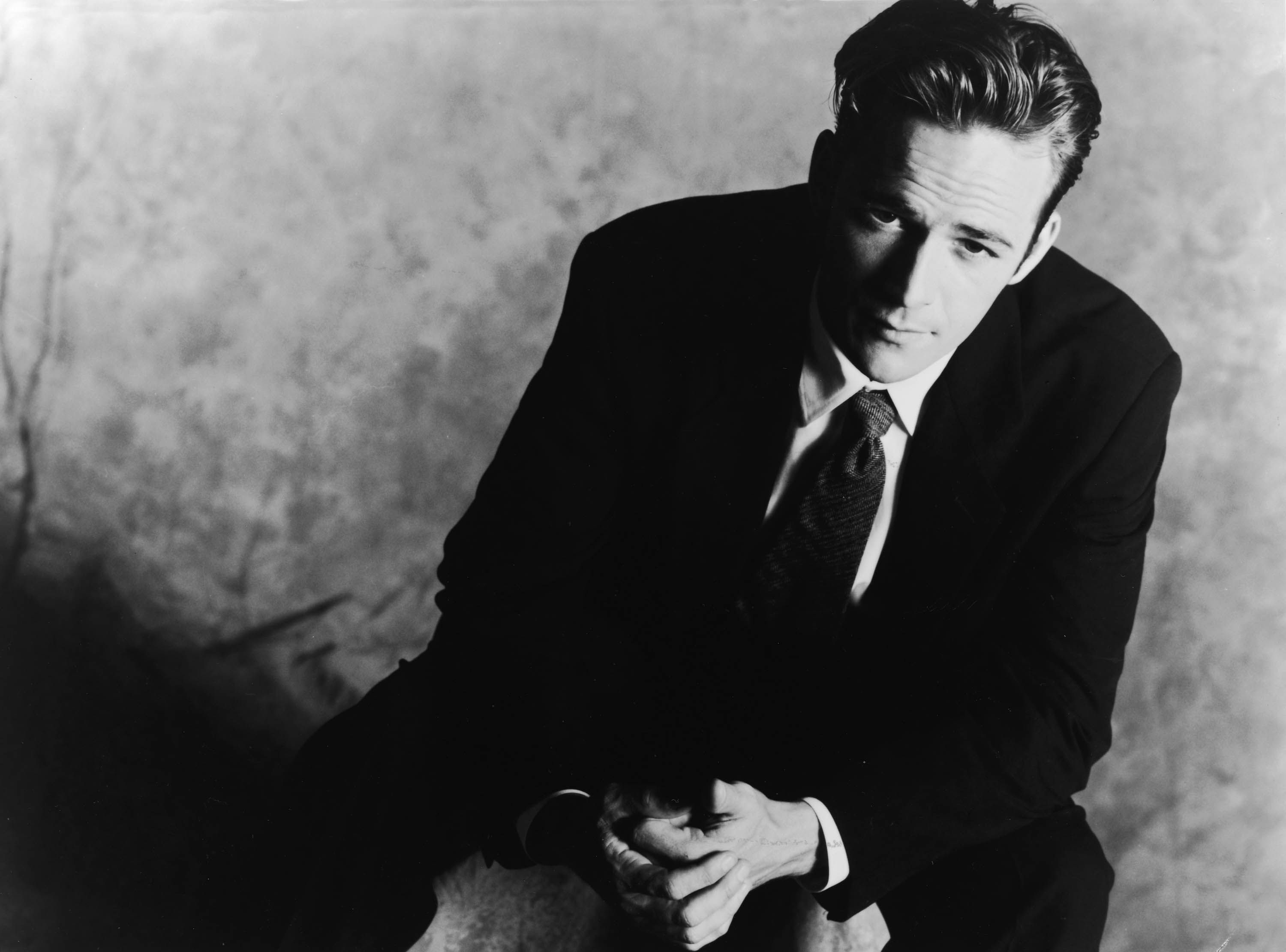 A promotional studio portrait of Perry from Beverly Hills, 90210 in 1994
