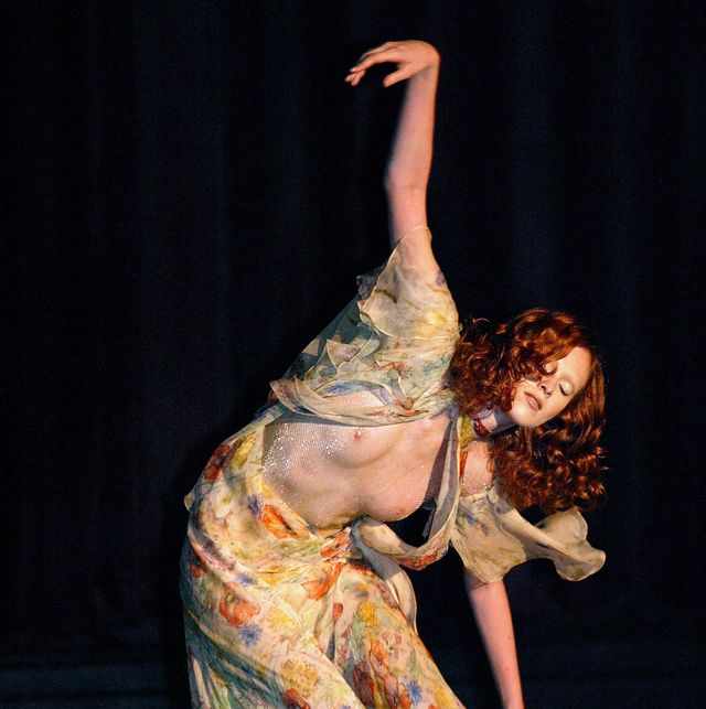 Entertainment, Performing arts, Performance, Dance, Performance art, Choreography, Dancer, Event, Stage, Fashion,
