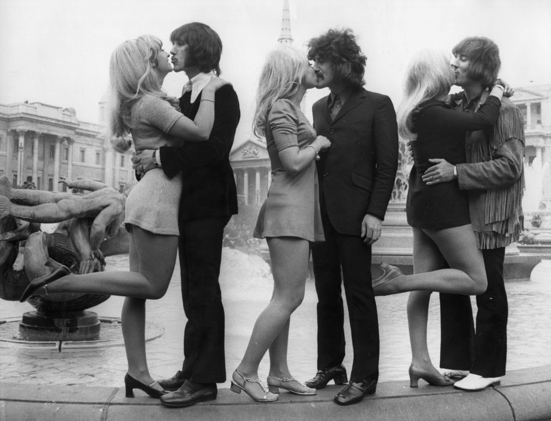 Dating niet huwelijk Kiss scene gevolgen van het dateren van een ongelovige