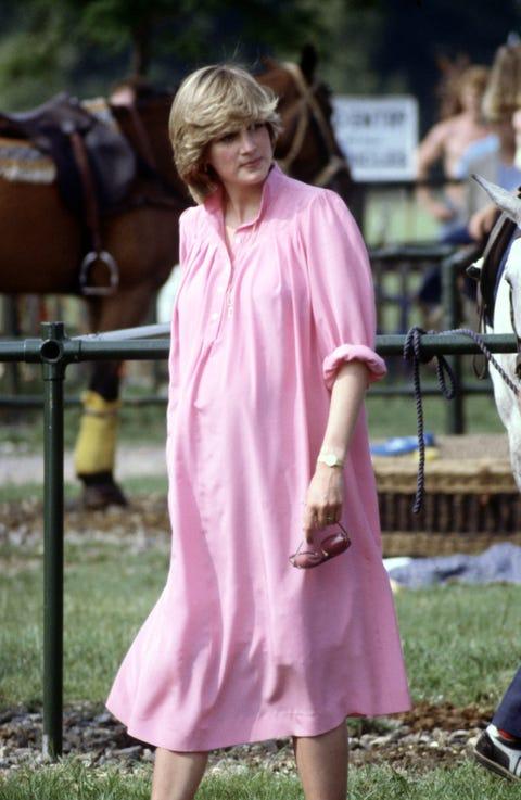 Pink, Clothing, Purple, Dress, Fashion, Street fashion, Violet, Lavender, Footwear, Grass,