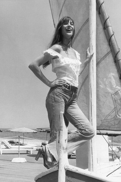 Photograph, Standing, Leg, Snapshot, Black-and-white, Photography, Monochrome, Photo shoot, Human leg, Style,
