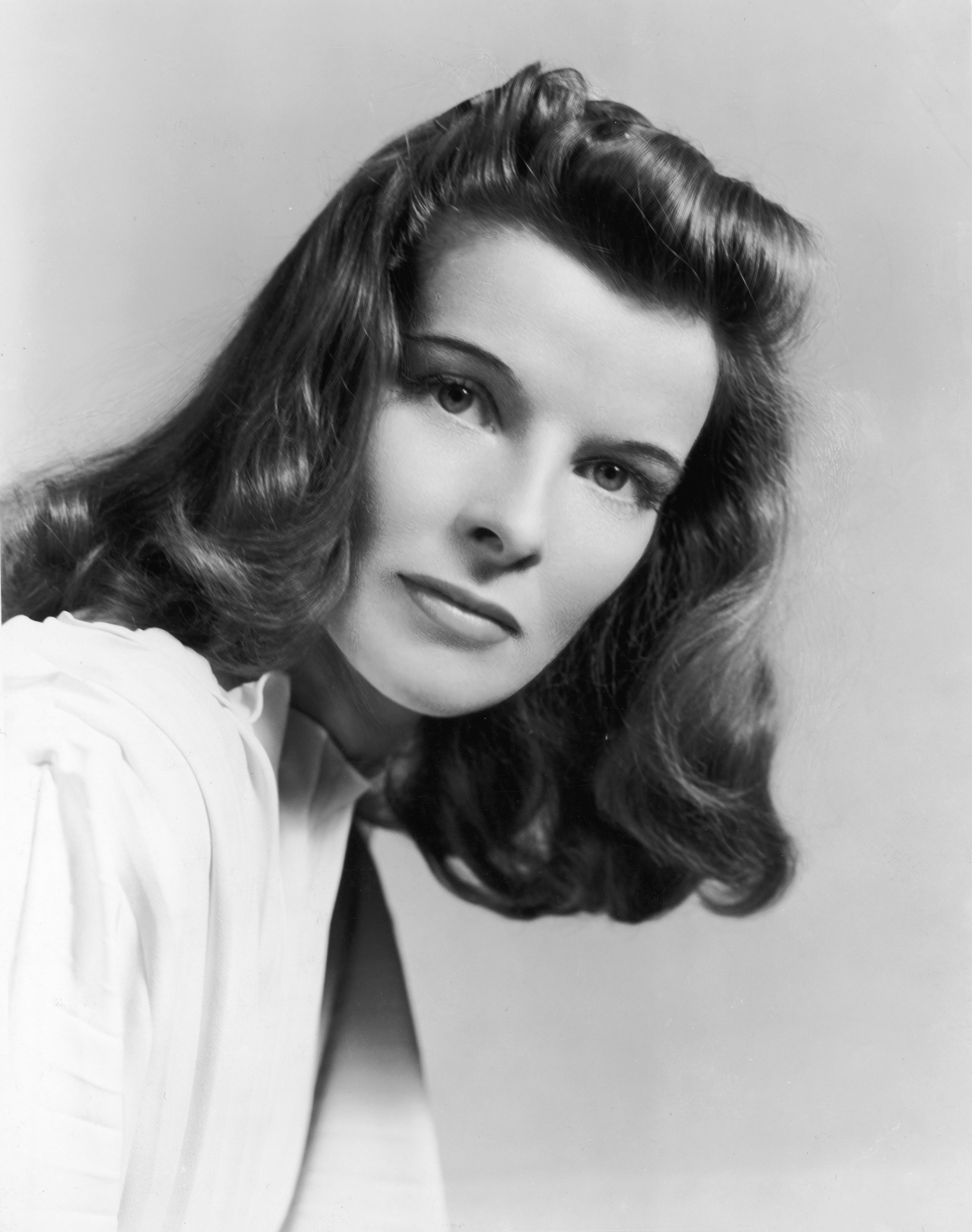 Katharine Hepburn Some people choose not to become parents for one simple reason: They don't want to. Katharine Hepburn opted out of  motherhood because she wanted to focus on herself and her well-being.