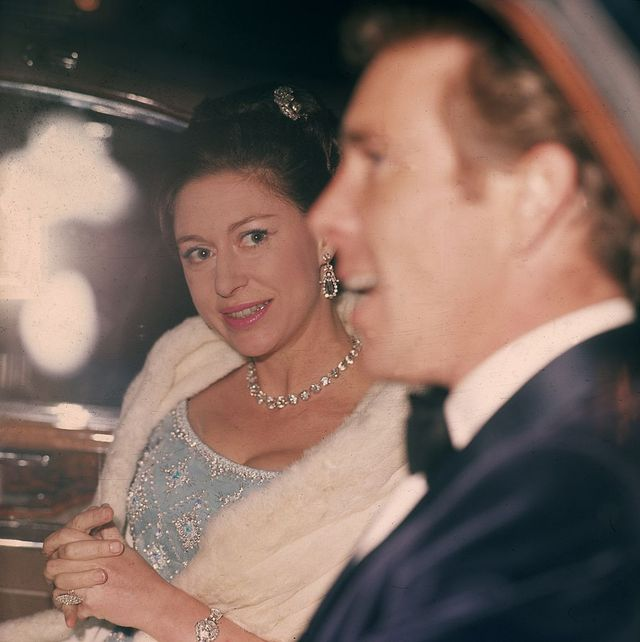 24th march 1966  princess margaret 1930   2002 arriving at fishmongers hall with her husband antony armstrong jones, lord snowdon  photo by george frestonfox photosgetty images