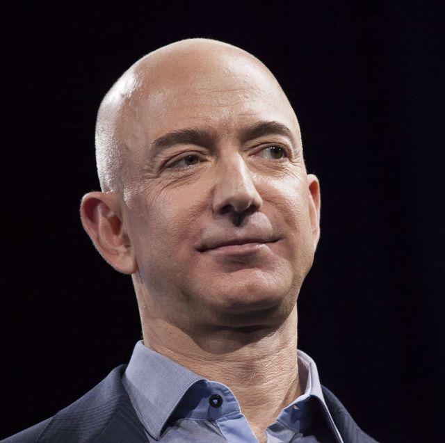 世界一の富豪ジェフ・ベゾス、資産1兆ドルの「トリリオネア」になる日 ...
