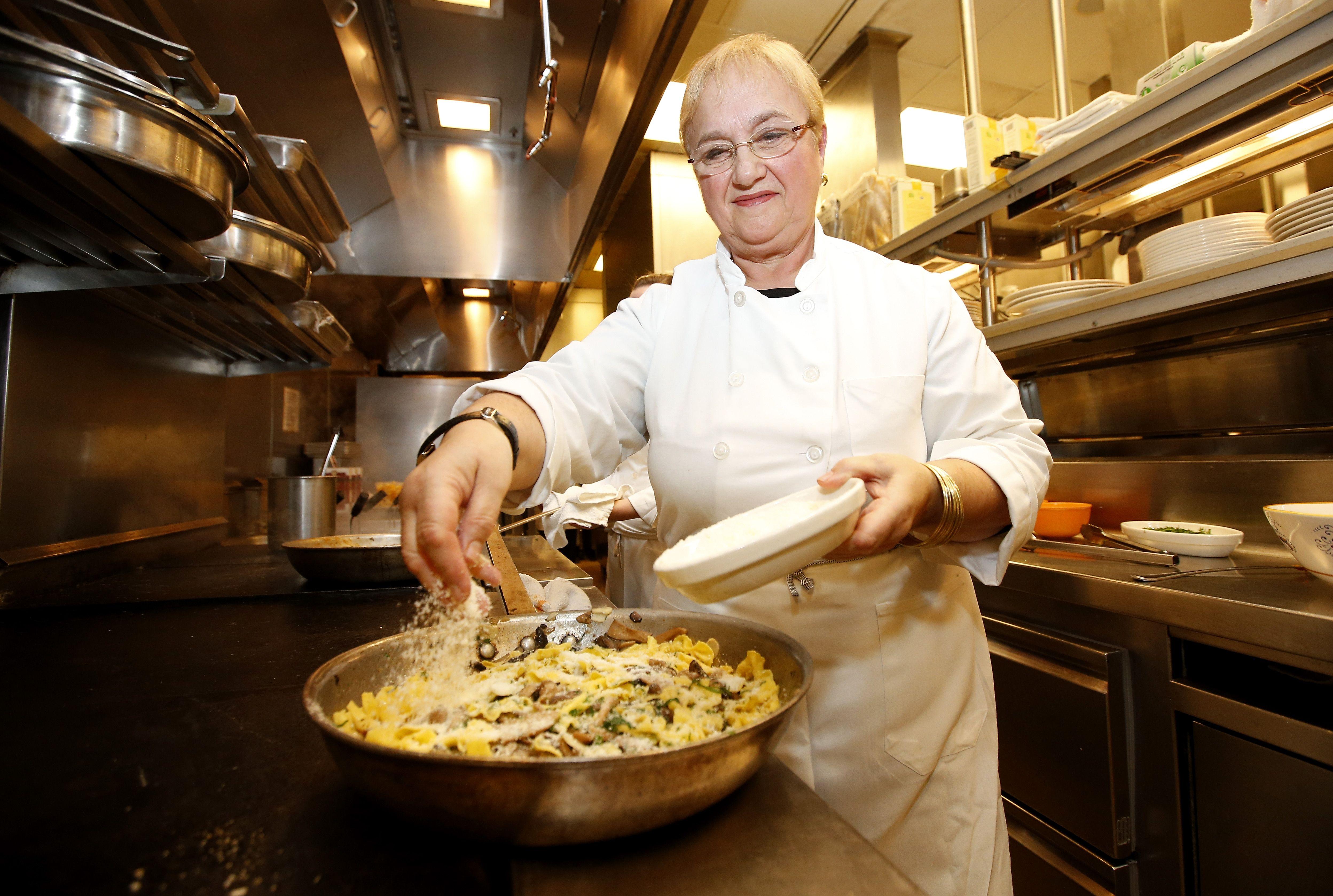 Programmi Tv Di Cucina Americani lidia bastianich: biografia di una chef diva della tv