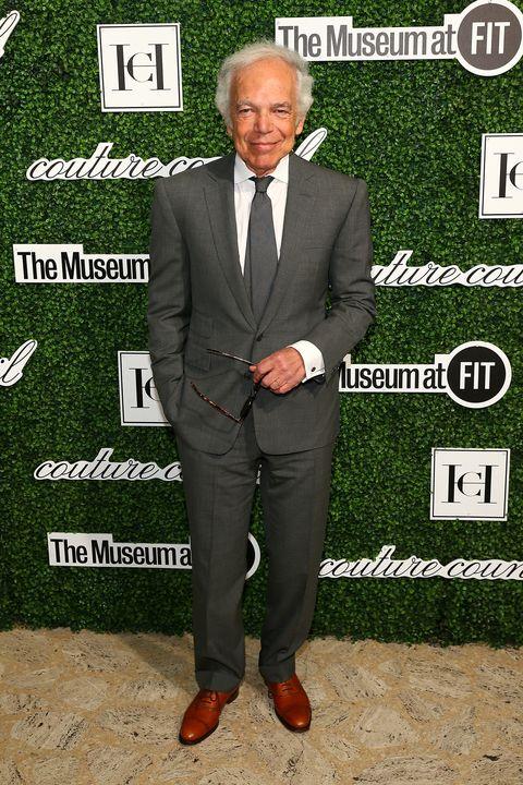 Suit, Tuxedo, Formal wear, Blazer, Premiere, White-collar worker, Shoe, Carpet,