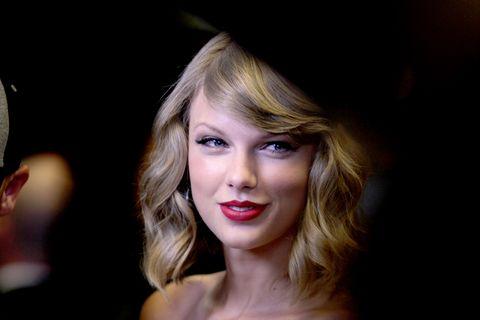 Hair, Face, Blond, Lip, Beauty, Hairstyle, Eyebrow, Chin, Nose, Cheek,