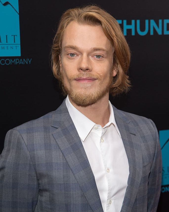 Alfie Allen (and beard) After his torture in the books, Theon loses his teeth, 40 pounds, and his hair color, which turns white and brittle. That's a transformation, luckily, we never saw.