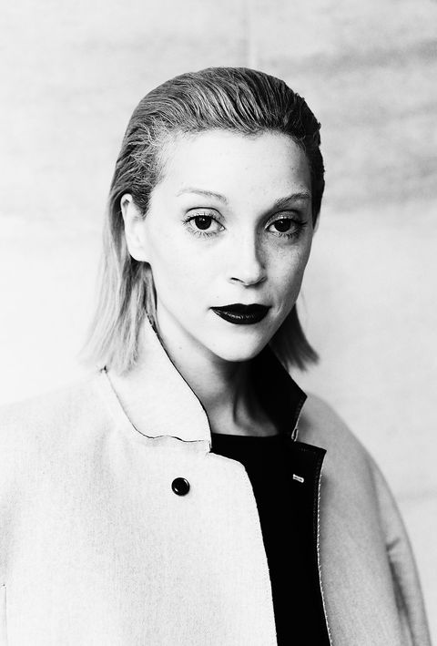 Hair, Face, White, Lip, Eyebrow, Hairstyle, Beauty, Black-and-white, Retro style, Blond,