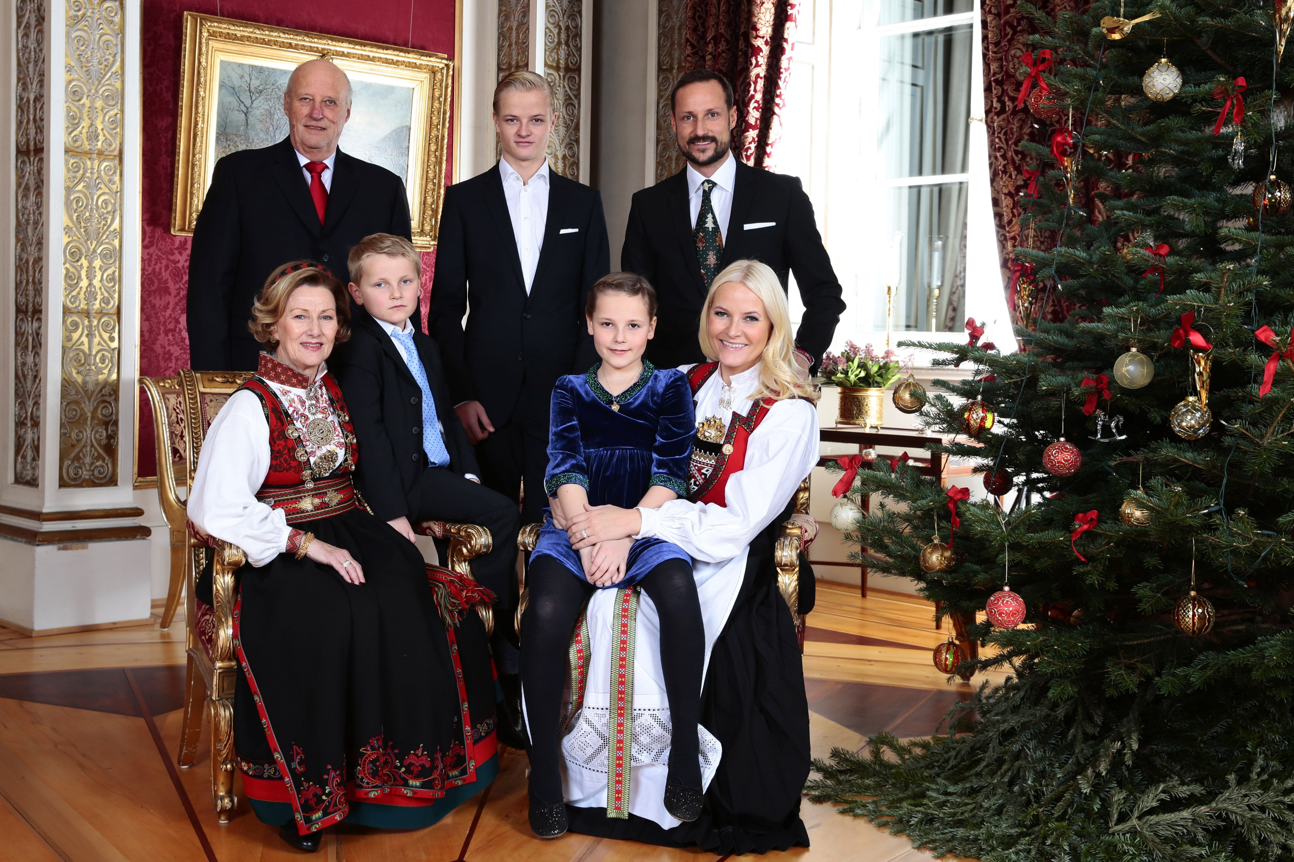 Norwegian Royal Family Fun Facts 6 Reasons We Love King Harald V Queen Sonja And The Norwegian Monarchy