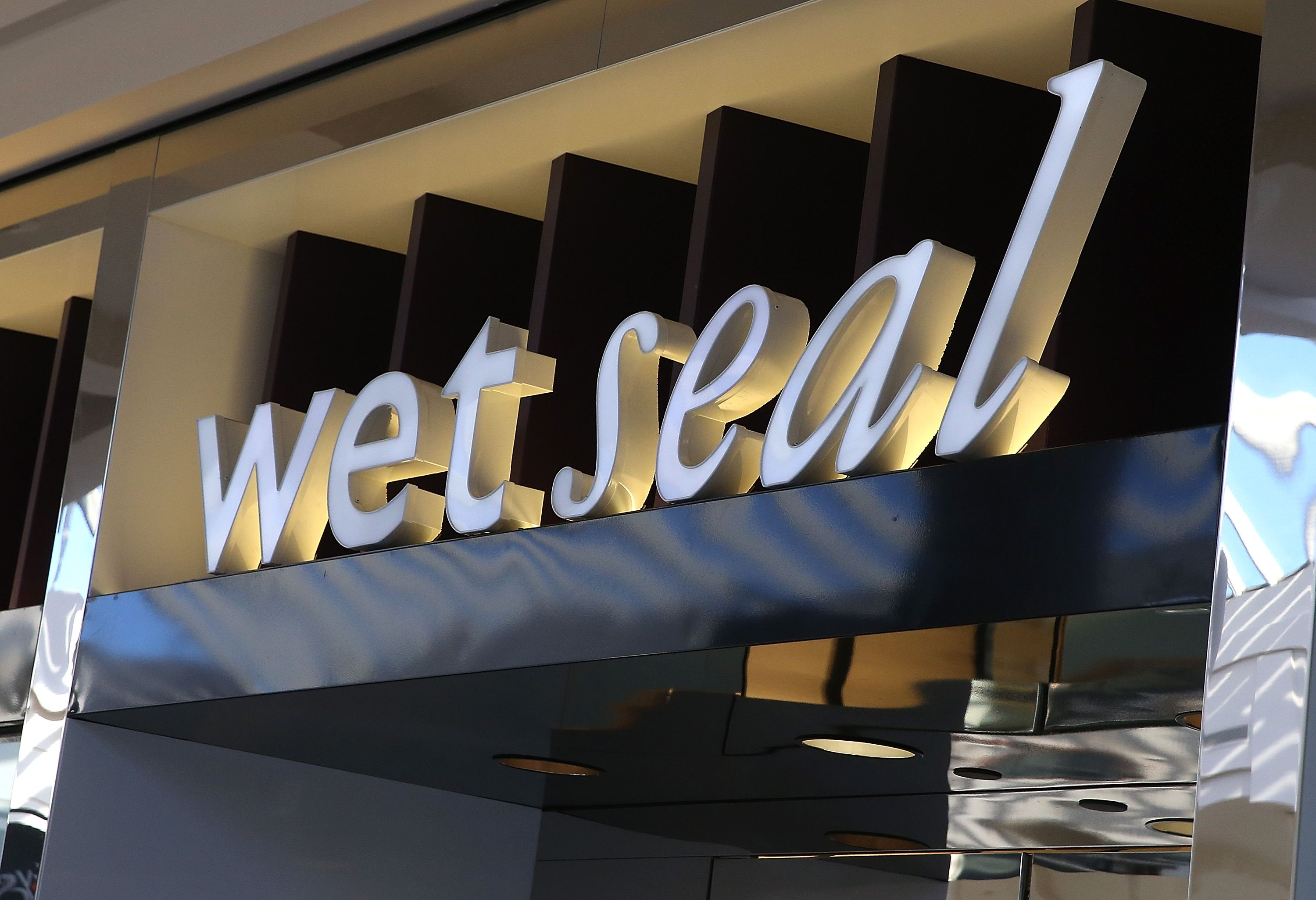 c074113556 22 Things From Wet Seal You Definitely Owned at One Point in Your Life