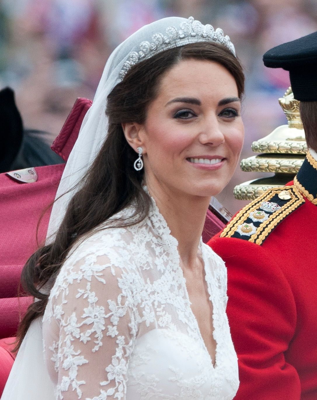 Meghan Markle S Royal Wedding Hair And Kate Middleton S Wedding Hair
