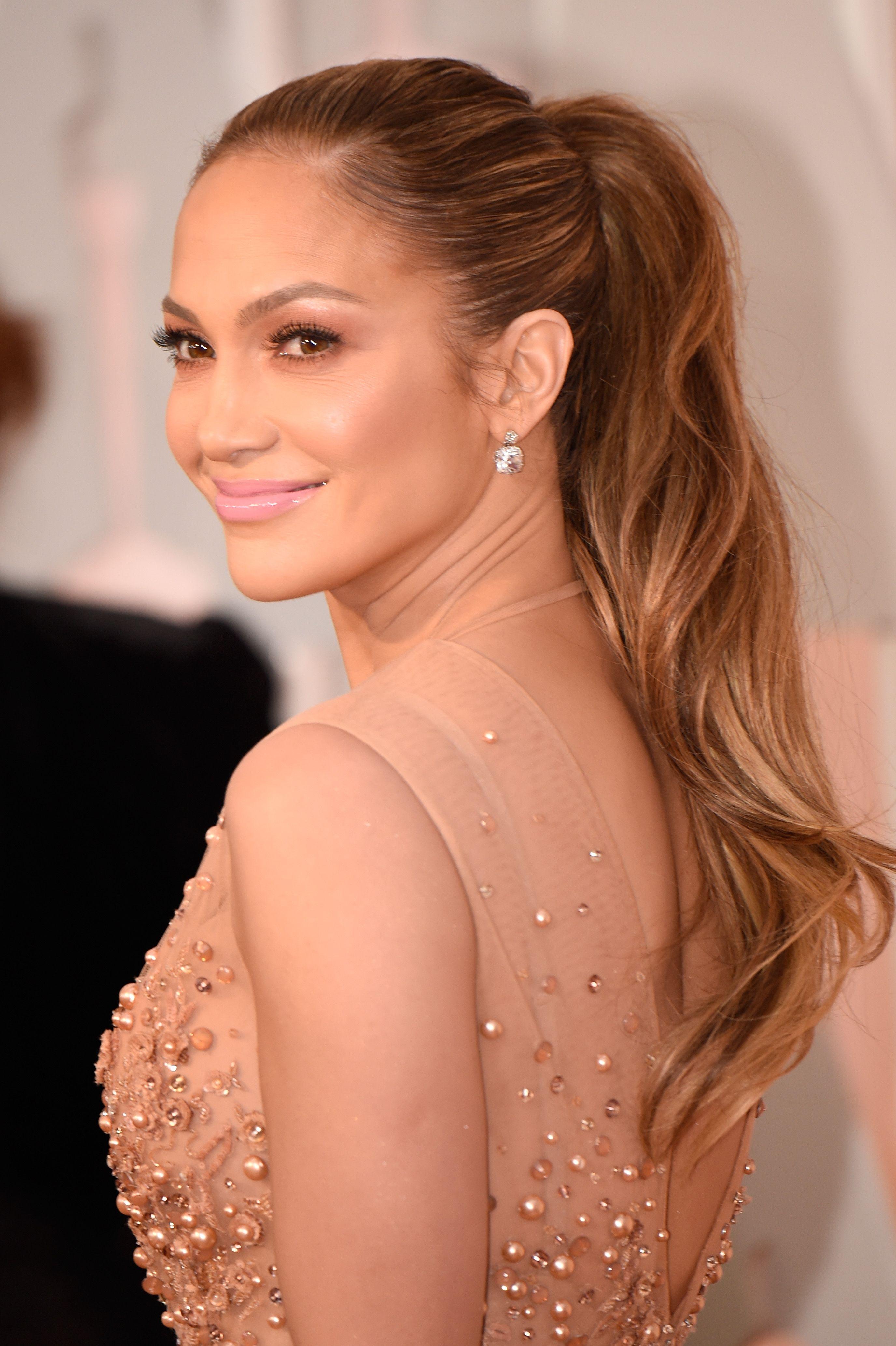 Jennifer Lopez - The Oscars Beauty Looks