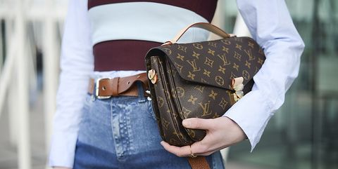 Street fashion, Bag, Shoulder, Jeans, Brown, Joint, Fashion, Denim, Waist, Fashion accessory,
