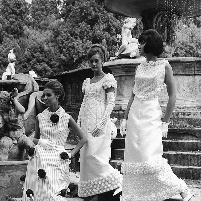 White, Photograph, Dress, Black-and-white, Snapshot, Fashion, Monochrome, Photography, Monochrome photography, Child,