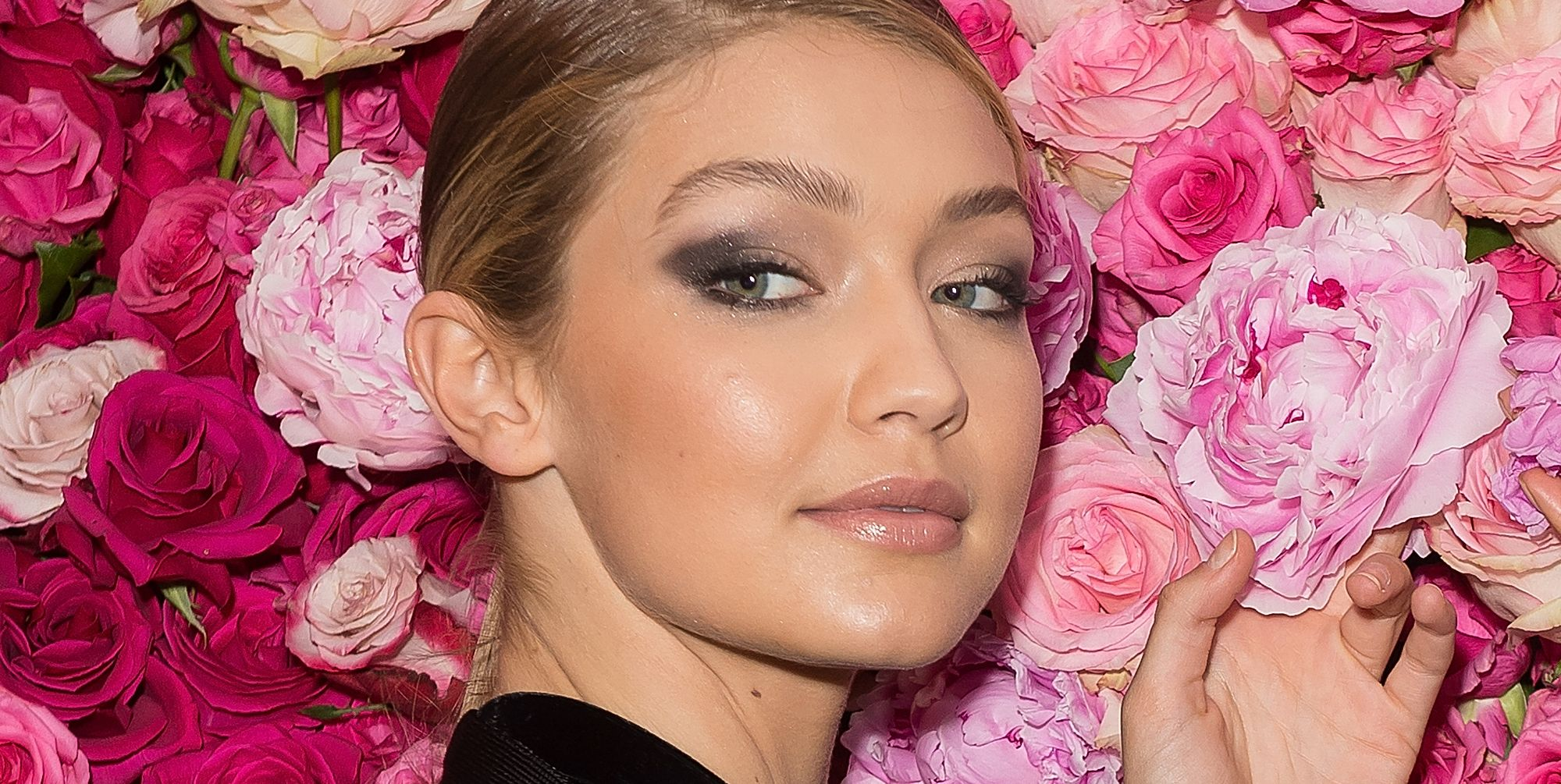 Learn How To Do A Smoky Cat Eye From Top Beauty Bloggers