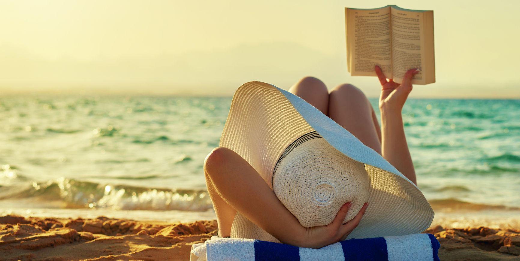 9 libri da leggere nell'estate 2018 per riscoprire e coltivare il piacere della lettura in spiaggia