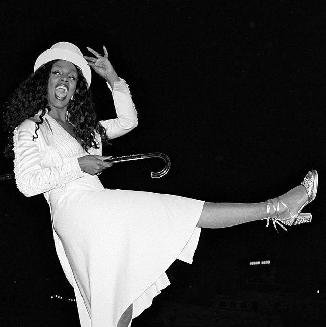 White, Black, Dancer, Leg, Black-and-white, Dance, Joint, Footwear, Human body, Monochrome,