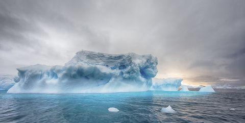 Iceberg, Polar ice cap, Ice, Sea ice, Ocean, Arctic ocean, Arctic, Sky, Natural landscape, Ice cap,