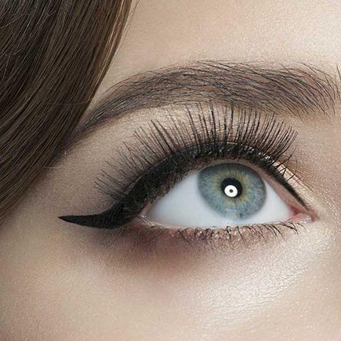 eyeliner line