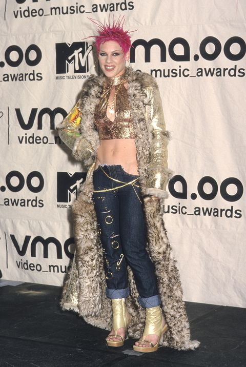 b01caea28e 50 Celebrity Outfits From the Early 2000s That ll Make You Say