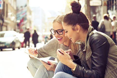 Eyewear, Glasses, Ear, Sitting, Photography, Street fashion, Vision care,