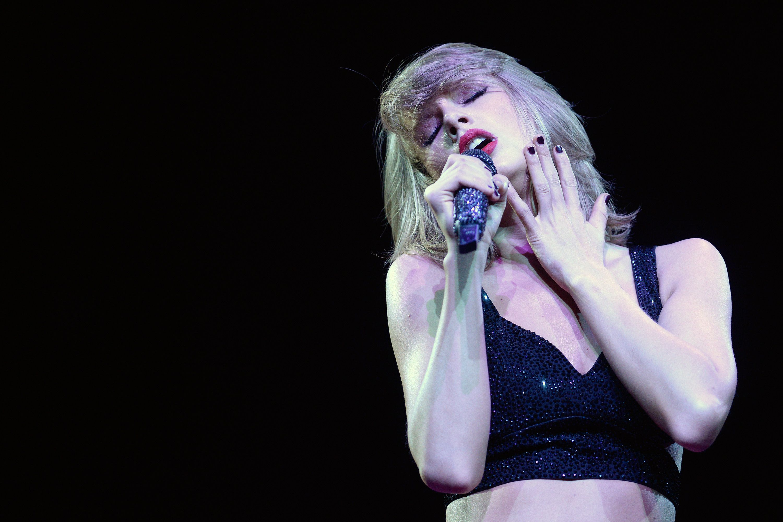 The Slow Sexual Awakening of Taylor Swift