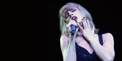Performance, Entertainment, Microphone, Singing, Performing arts, Music artist, Singer, Music, Pop music, Public event,