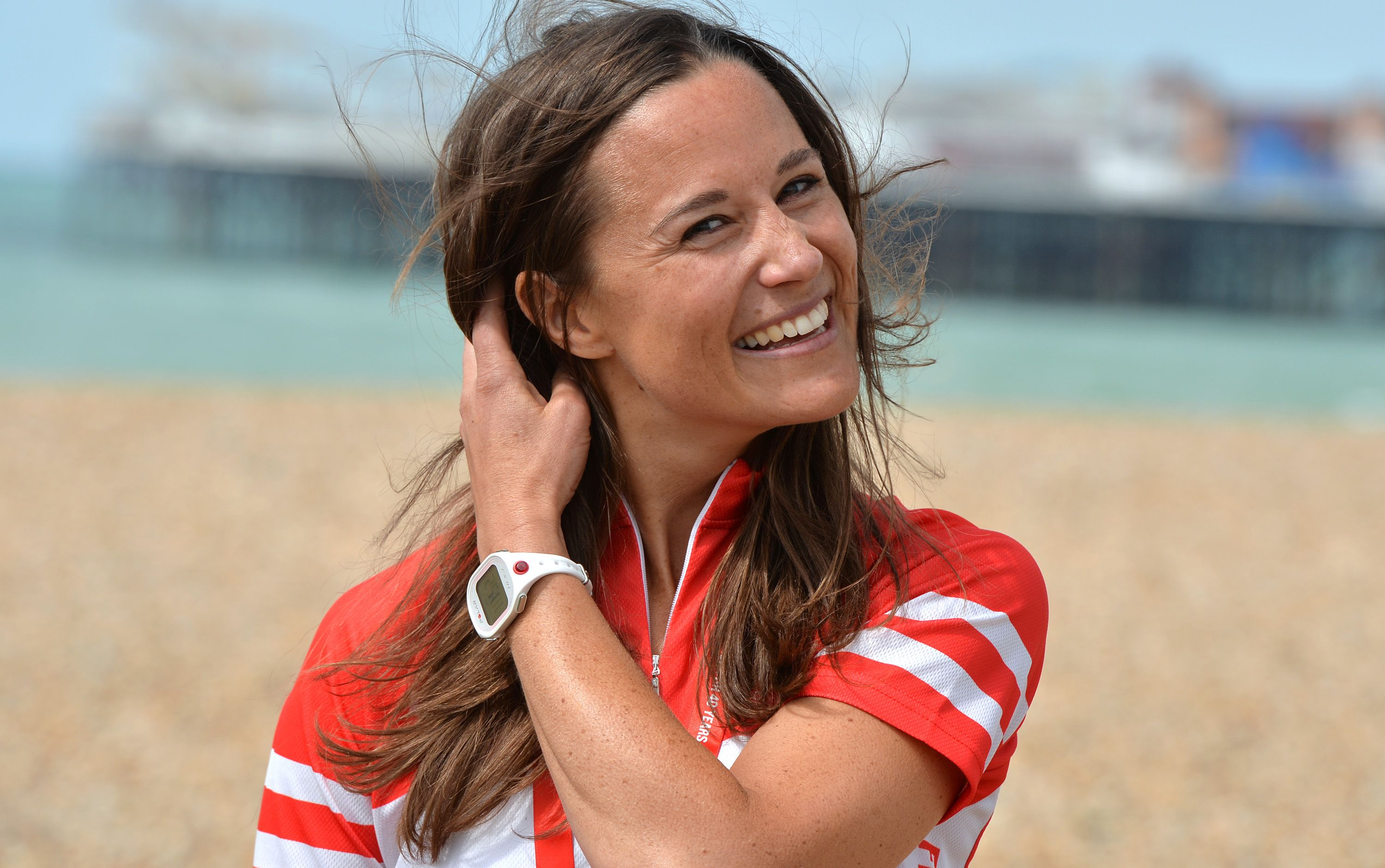 df42aea96dd5e Pregnant Pippa Middleton Shows Off Baby Bump in the Cutest Swimsuit