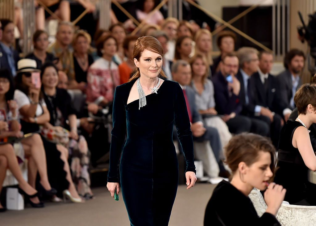 julianne-moore-best-fashion-moments