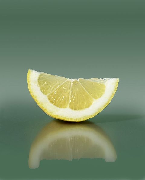 lemon wedge