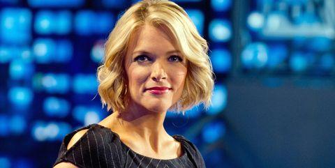 Blond, Television presenter, Sitting, Electric blue, Newsreader, Newscaster, Long hair, Smile,