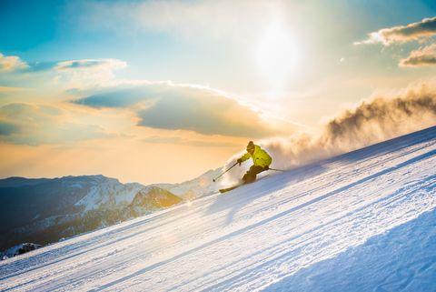 Snow, Sky, Winter, Mountain, Extreme sport, Recreation, Slope, Piste, Cloud, Winter sport,