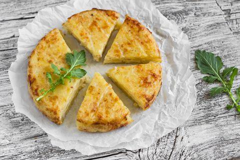 Dish, Food, Cuisine, Ingredient, Baked goods, Staple food, Tortilla de patatas, Produce, Flamiche, Quiche,